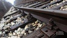 Влак помете камион в Испания, има ранени