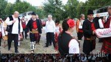 ЕКСКЛУЗИВНО В ПИК! Цветанов и Валери Симеонов празнуват на Жеравна (СНИМКИ)