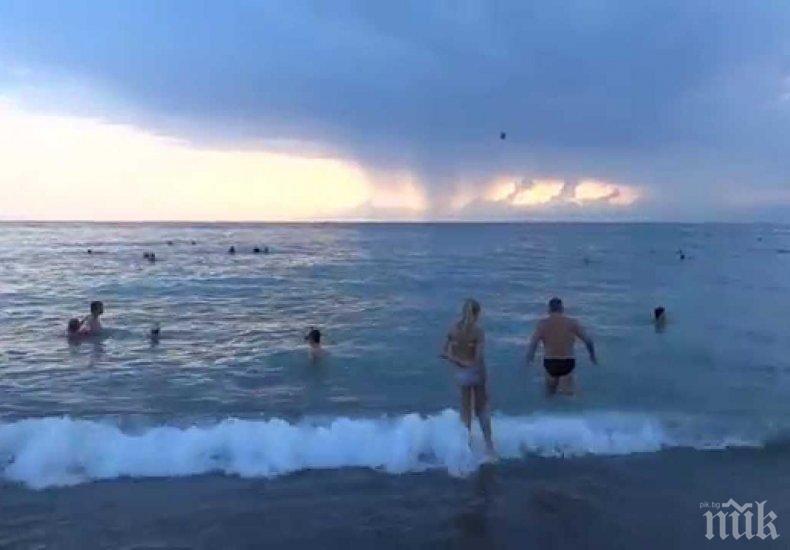 ШОК! Мълния уби младеж в морето на хърватски плаж