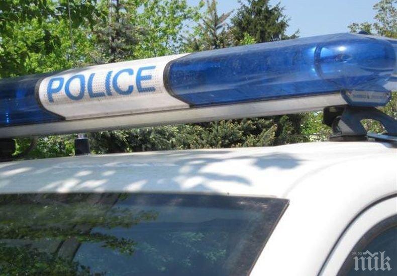 Екшън край Вършец! Полицията задържа двама след гонка. Други двама избягаха