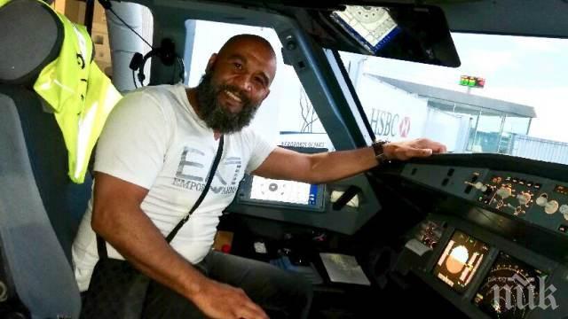 ГЕРОЙ! Боксьор нокаутира пътник, опитал се да превземе самолет