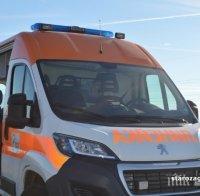 Шофьор бере душа в болница - заби се в дърво край Варна