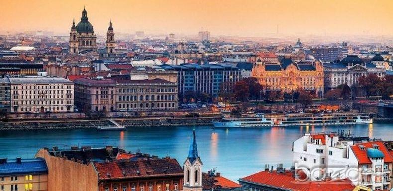 ПРОЧУХМЕ СЕ! Русенската художествена галерия показва изложба във Виена