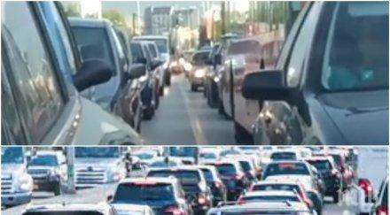 ВНИМАНИЕ! Километрично задръстване на пътя Слънчев бряг-Бургас, входът към магистралата е затапен (СНИМКИ)