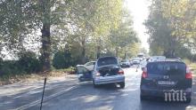 Тежка катастрофа край Пловдив - жена е в болница след жестокия удар (СНИМКИ)
