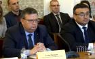 Цацаров: И в чужбина са разбити български нелегални фабрики за цигари