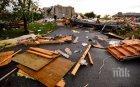 АД В КАНАДА! Страшно торнадо премина край Отава, има тежко ранени (СНИМКИ/ВИДЕО)