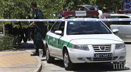 ИЗВЪНРЕДНО В ПИК! Терористичен акт окървави военен парад в Иран