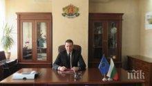 Губернаторът на Софийска област Илиан Тодоров с благодарствено писмо от учители от Димитровград - Сърбия