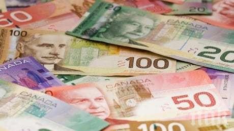 Роден под щастлива звезда! Канадец стана милионер, след като намери печеливш лотариен билет в стара дреха