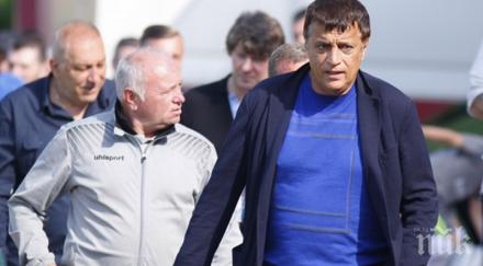 Мощен скандал в родния футбол: Стойне Манолов нападна шеф на ЦСКА 1948