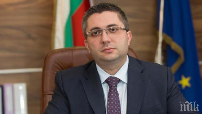 Депутатите гласуват оставката на Николай Нанков като народен представител