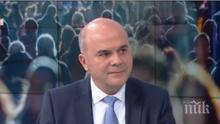 Социалният министър: Рано е да се говори за коледни надбавки