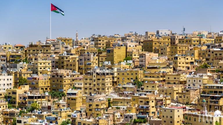 В Йордания започва ваксиниране на 12-годишните и по-големите деца
