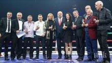 Министър Кралев награди заслужили боксьори и треньори преди мача на Пулев и Фюри (СНИМКИ)