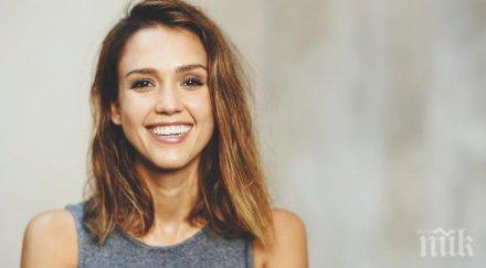 Джесика Алба: Отвлякоха ме, когато бях на 15 години