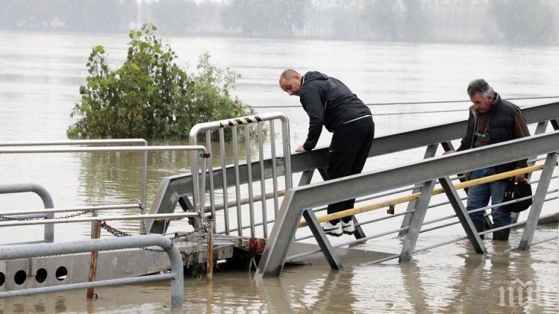 Жертвите на наводненията в Италия продължават да растат