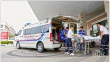"""ТОТАЛЕН ШОК: Питон захапа тайландец за """"питона"""" в тоалетна (СНИМКА)"""