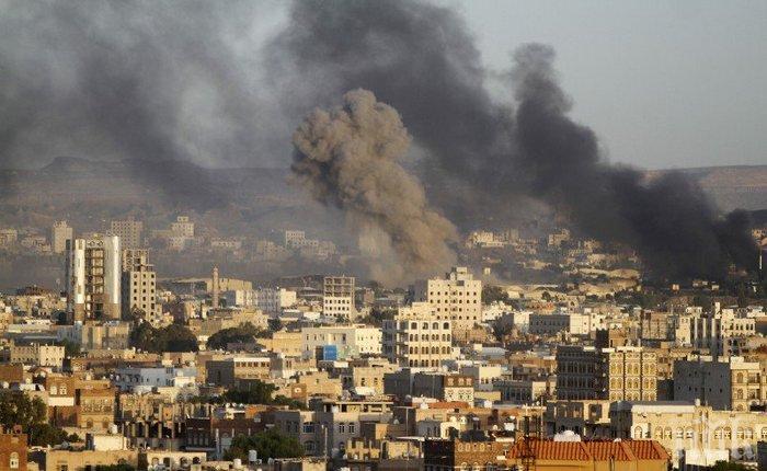 В Йемен е убито момче, пътищата за хуманитарната помощ отрязани