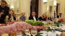 """След голямото плюскане - Гого Папийонката и други сноби готвят """"голямото изкензване"""" в Националната галерия"""