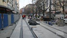 """Пускат тестово трамваите по столичната улица """"Граф Игнатиев"""""""