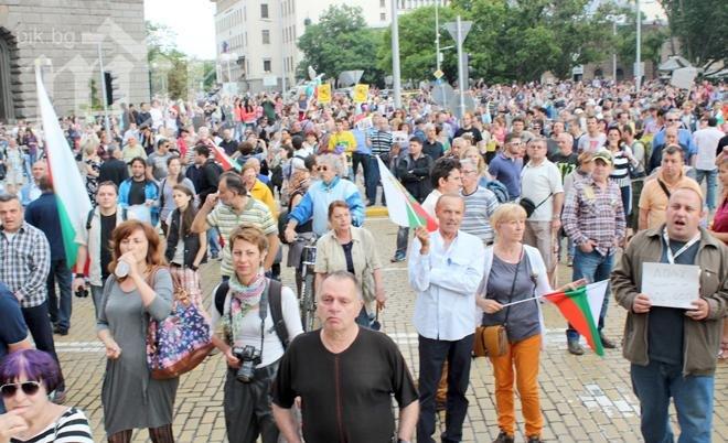Протестите продължават и днес