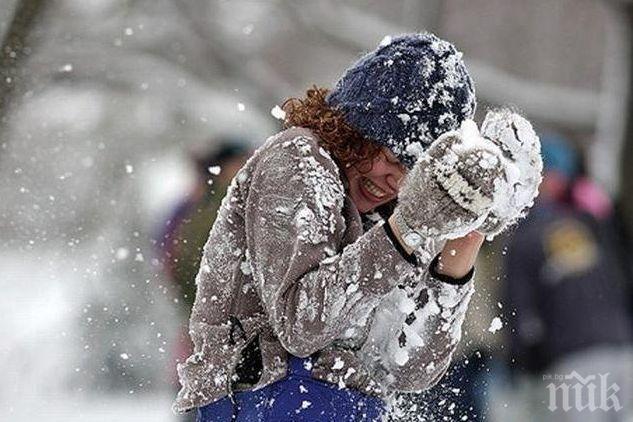 СЛЕД БЛИЗО ВЕК: Градче в щата Колорадо отмени забраната за бой със снежни топки