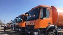 Боклукчийски камион пламна във Варна (СНИМКА)