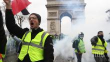 """НА КОСЪМ: Арестуваха терористи, планирали касапница срещу протест на """"жълтите жилетки"""""""