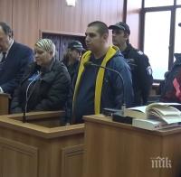 БРУТАЛНО: Докато убийцата от Пловдив ръгала с чашата заварчика Поли, синът й го държал