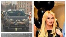 САМО В ПИК: Мая Савова закъса на пътя - непознат мъж измъкна съпругата на Крум Савов от критична ситуация (ПАПАРАШКИ СНИМКИ)
