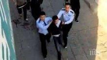 Китаец нападна с чук и рани 20 деца в училище