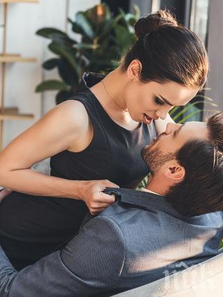 САМО ЗА ЖЕНИ: Какъв секс прави той според зодията