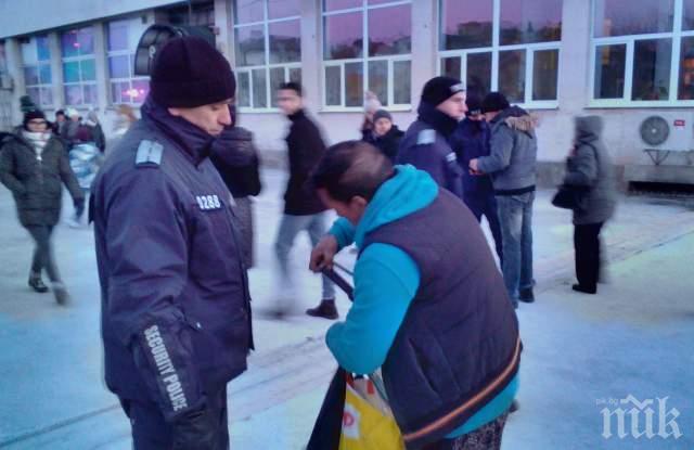 Мъж с тенджера втрещи охраната на културен Пловдив