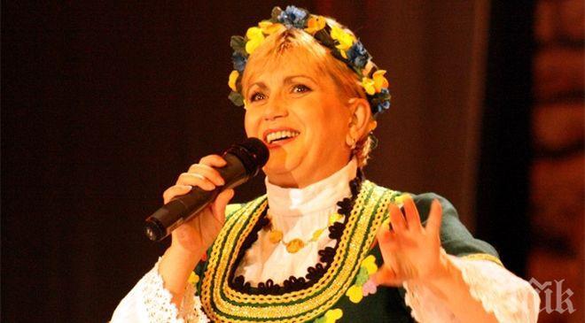 Николина Чакърдъкова стана баба за втори път