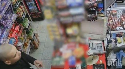 НАГЛЕЦ: Млад мъж открадна стекове с цигари от магазин във Видин (ВИДЕО)