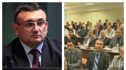ИЗВЪНРЕДНО В ПИК TV: Младен Маринов с важни новини след националното съвещание на МВР - полицията се закани на телефонните измамници (ОБНОВЕНА)