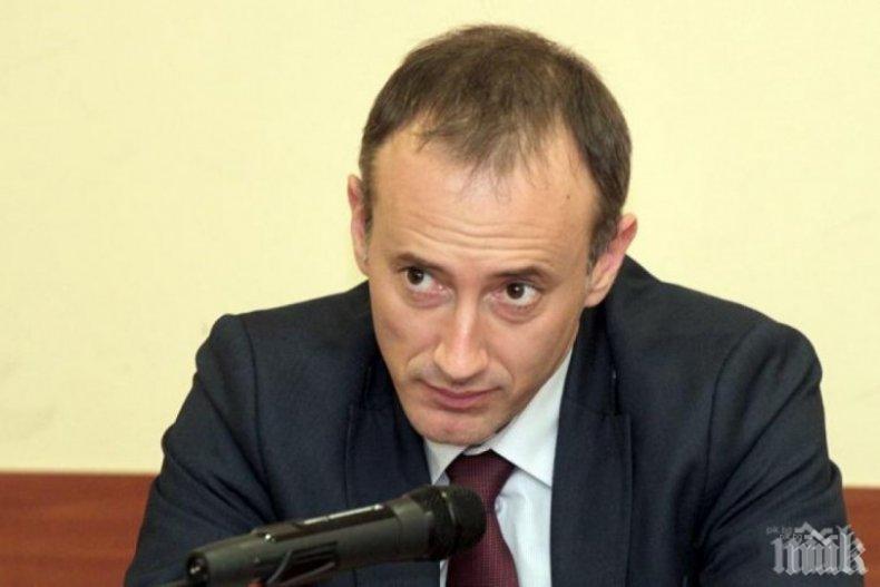 """Министър Вълчев, забранявам да питате детето ми дали е момче, момиче, или """"друго"""""""