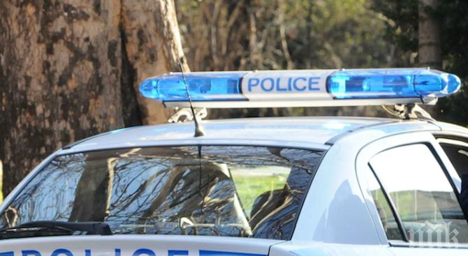 19-годишен изби зъбите на момче в Стражица