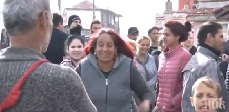 """АВАНТАТА ТРЯБВА ДА СЕ ПЛАЩА: 10 семейства от циганската махала """"Кумлука"""" в Бургас получиха сметка за вода от 100 бона"""