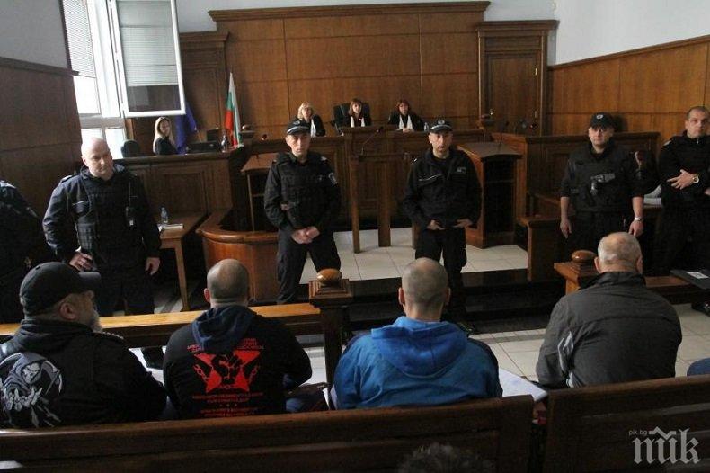 СТРАХОВИТО: 10 от най-страшните родни престъпници под строй в съда