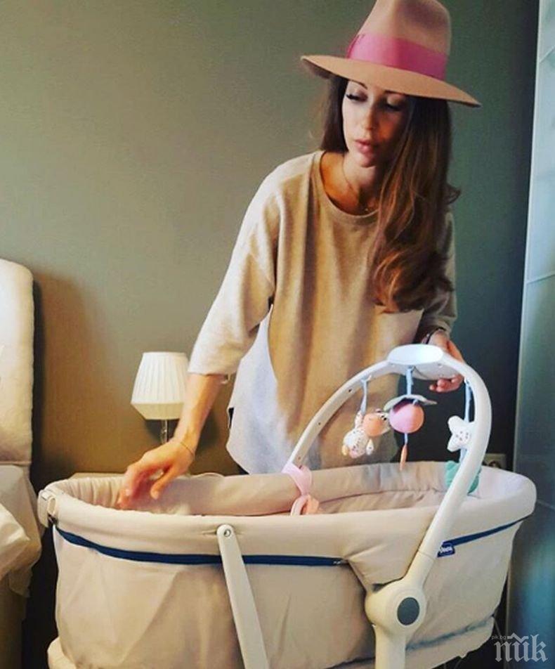 Честитят нова дъщеря на Никол Станкулова (СНИМКА)