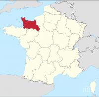 Кмет във Франция подаде оставка заради голи снимки