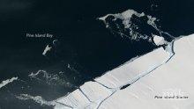 МИСТЕРИЯ: Тайнствени нощни трусове люлеят Антарктида