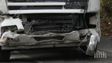 """ОТ ПОСЛЕДНИТЕ МИНУТИ: Два камиона се удариха на """"Тракия""""! Единият шофьор е в болница, има и задръстване (СНИМКИ/ОБНОВЕНА)"""