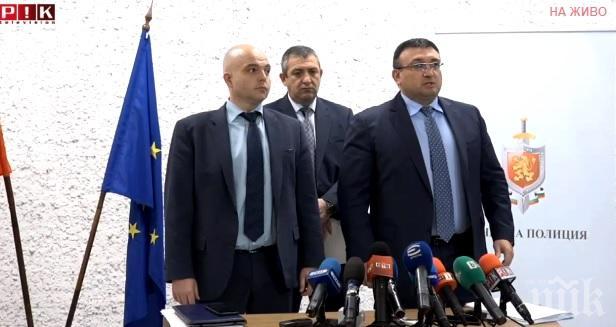 ИЗВЪНРЕДНО В ПИК TV: Министър Младен Маринов с разкрития за аферата с джиповете за 20 млн. лв., купени от кабинета на Радев: ОЛАФ разследва сделката от ноември (ОБНОВЕНА)