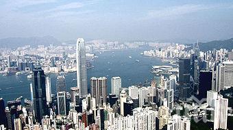 Китай скочи срещу британските предупреждения за свободите в Хонконг