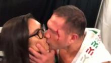 Боксов съдия с тежки думи за целунатата Равало
