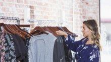Черен списък на дрехите, които ни състаряват