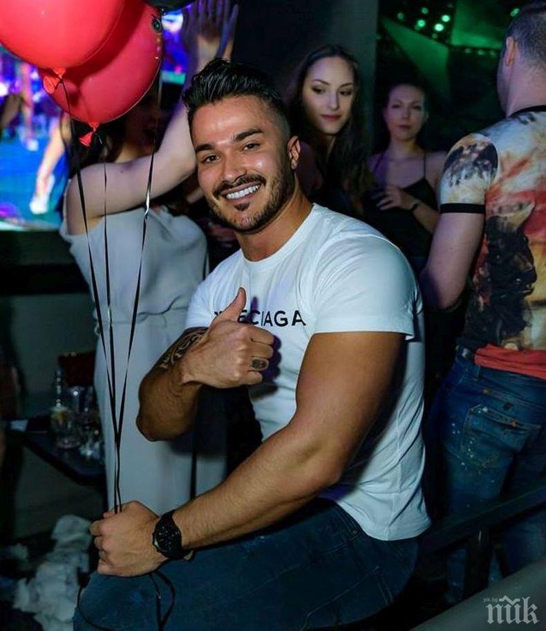 """МОЩНА ВЕСЕЛБА: Галин грабна микрофона на ретро партито в """"Клуб 33"""" (СНИМКИ)"""